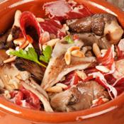 Recette: Tapa de champignons avec du jambon Pata negra et pignons de pin